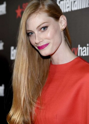 Alyssa Sutherland - Entertainment Weekly's 2015 SAG Awards Nominees in LA