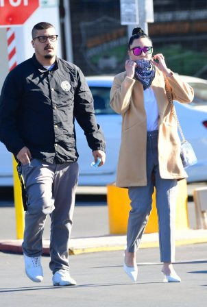 Amanda Bynes - Grocery run with fiance Paul Michael in Los Angeles