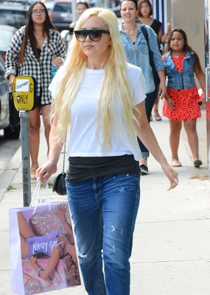 Amanda Bynes in Jeans out on Melrose