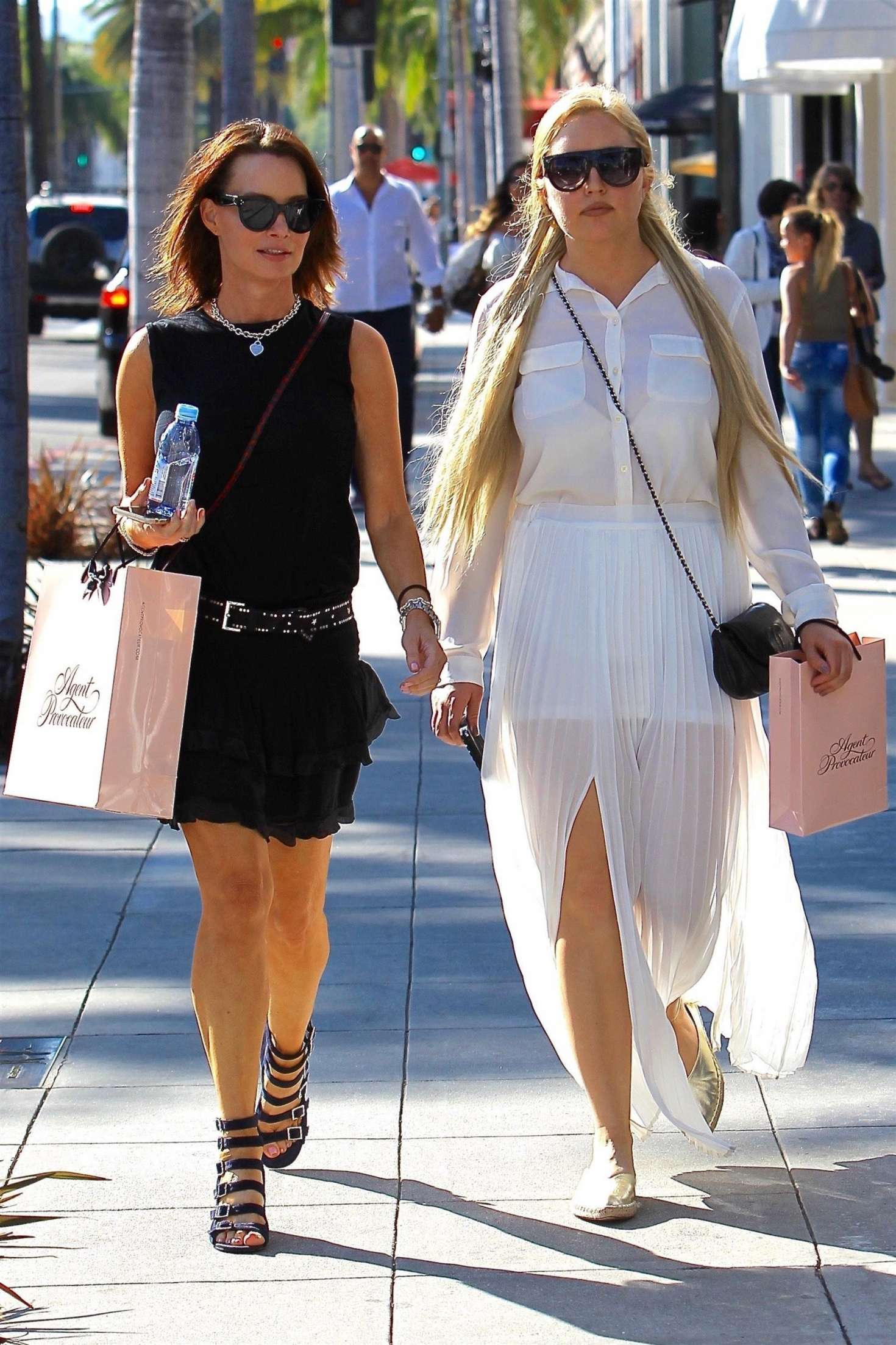 Amanda Bynes 2017 : Amanda Bynes shopping with a friend on Rodeo Drive -07