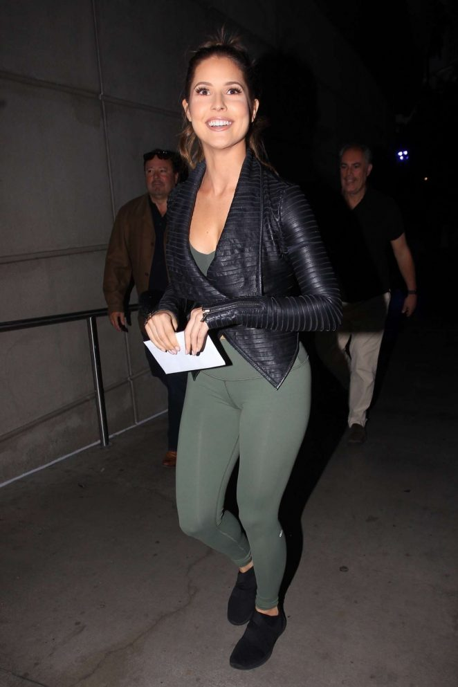 Amanda Cerny - Heads to the Staples Center in Los Angeles