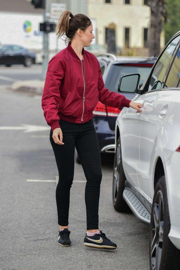 Amanda Crew 2019 : Amanda Crew: Shopping in Studio City-07