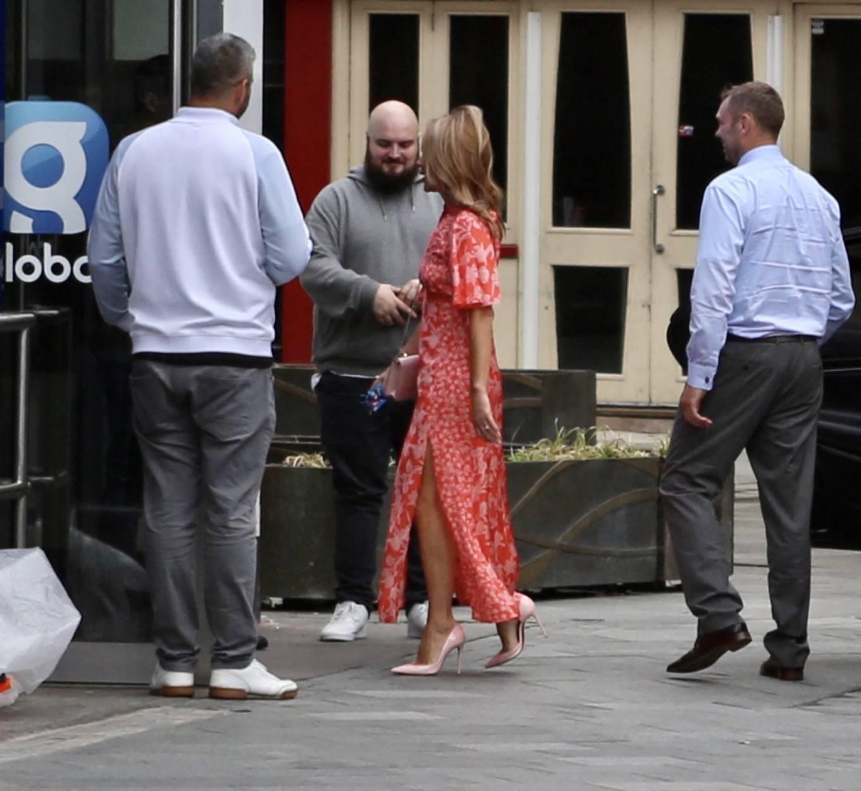 Amanda Holden - Arrives for her breakfast show in London