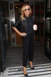 Amanda Holden - Arriving at Zoe Ball Breakfast Show in London