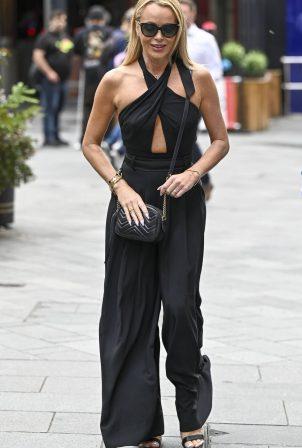 Amanda Holden - Leaving Global Studios in London