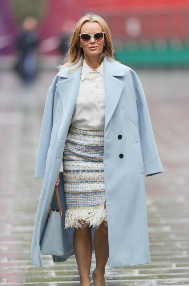 Amanda Holden - Out in a blouse and knitted skirt in London