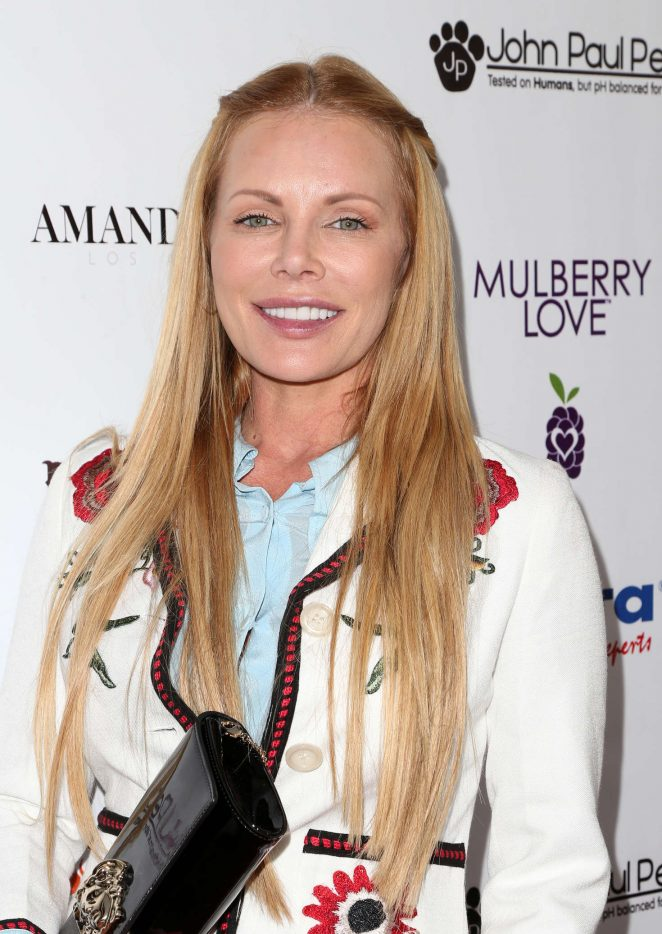 Amanda Mills - 2nd Annual Art for Animals Fundraiser Evening For Eastwood Ranch Foundation in LA