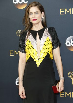 Amanda Peet - 2016 Emmy Awards in Los Angeles