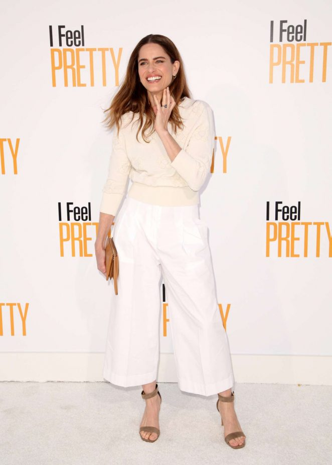 Amanda Peet - 'I Feel Pretty' Premiere in Los Angeles