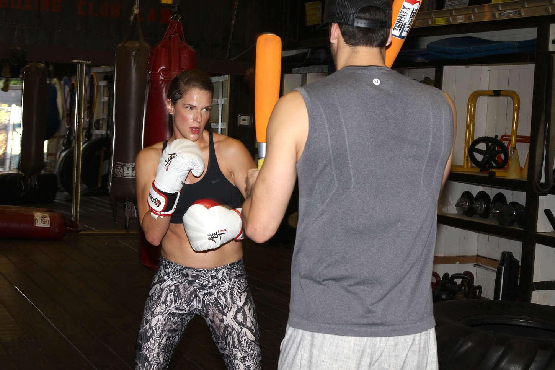 Amanda Righetti boxing