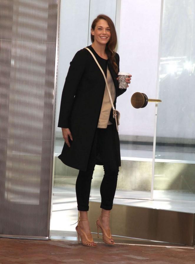 Amanda Righetti - Goes Shopping in Beverly Hills