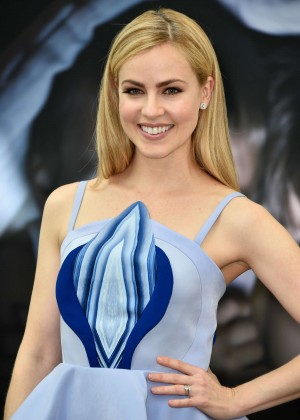 Amanda Schull - '12 Monkeys' TV Series Photocall in Monte-Carlo