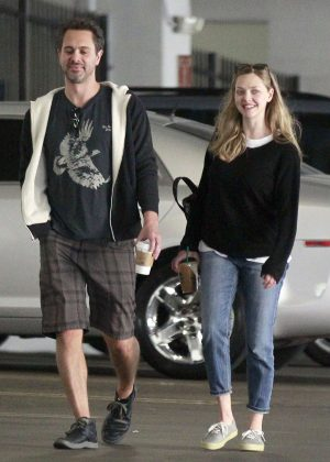 Amanda Seyfried and Thomas Sadoski at Starbucks in Los Angeles