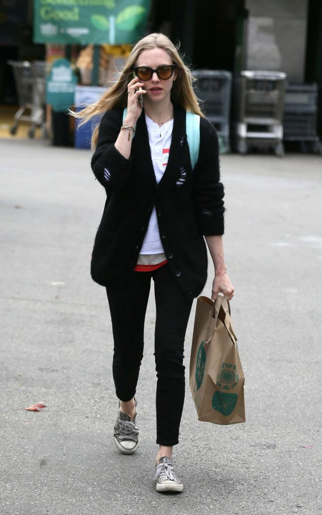 Amanda Seyfried at Whole Foods in Los Angeles