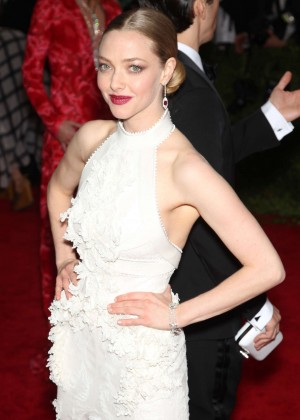 Amanda Seyfried - 2015 Costume Institute Gala in NYC