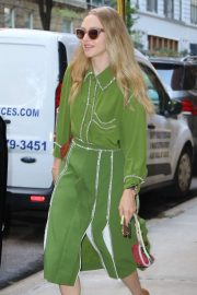 Amanda Seyfried in Green Dress - Leaves her apartment in NY