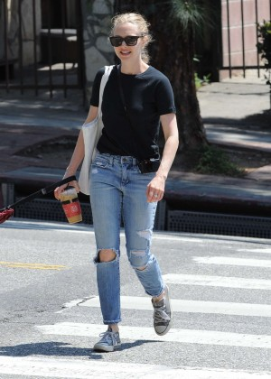 Amanda Seyfried in Ripped jeans out in Silverlake