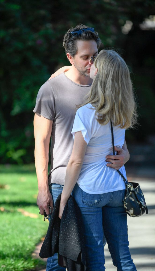 Amanda Seyfried - Kisses Fiance Thomas Sadoski in North Hollywood