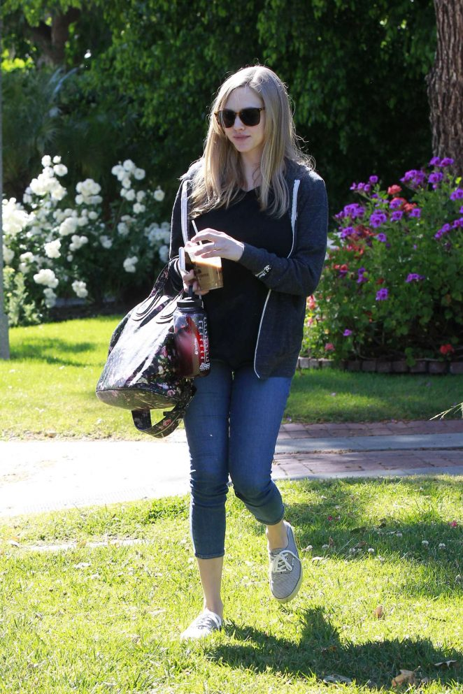 Amanda Seyfried Leaving a friends house -11