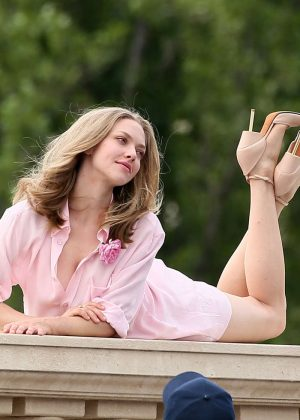 Amanda Seyfried on the set of a photoshoot in Paris