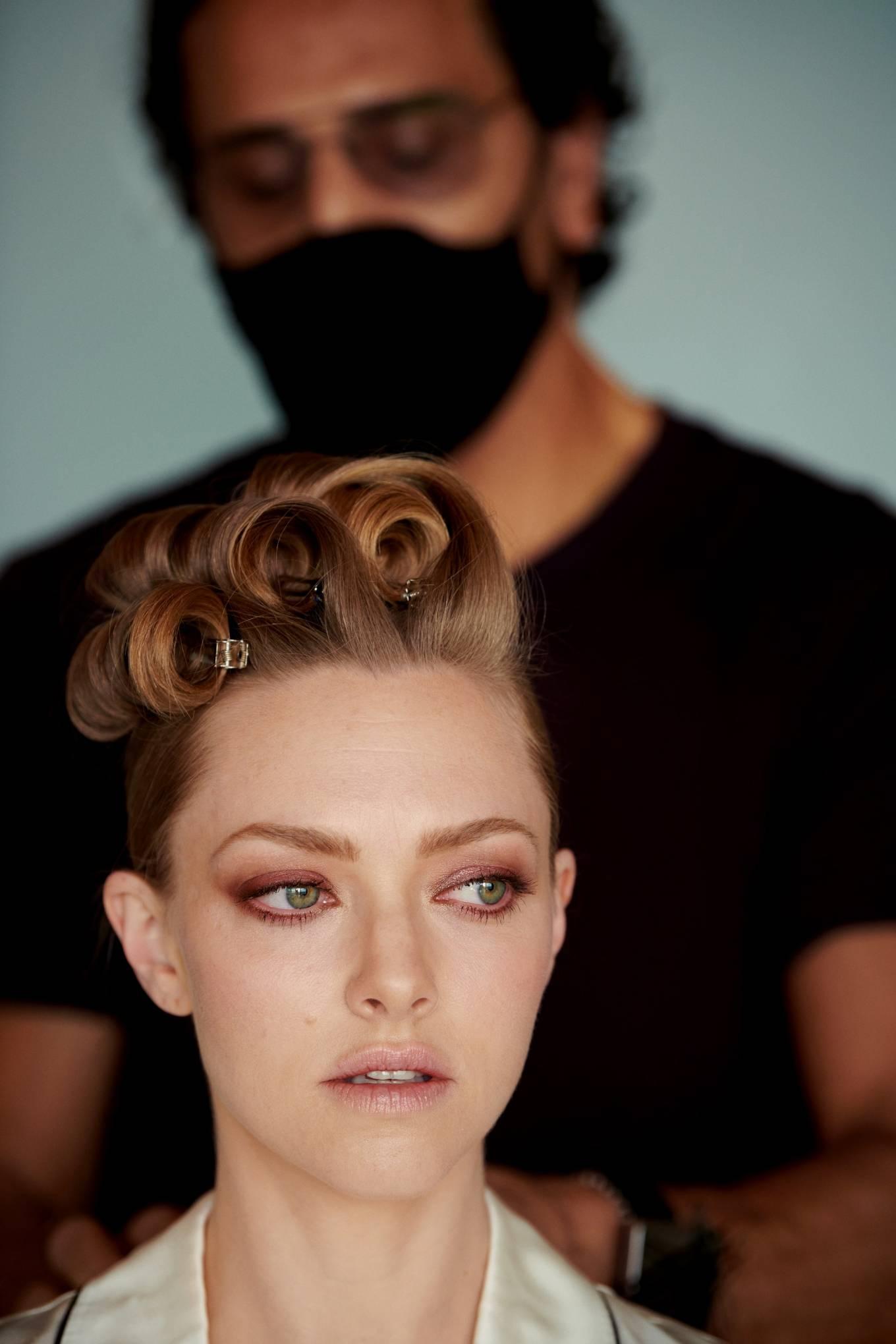 Amanda Seyfried 2021 : Amanda Seyfried – Oscars 2021 preparation for Vogue 2021-02