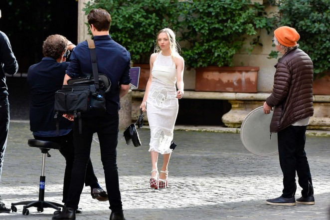 Amanda Seyfried: Photoshoot in Rome -08