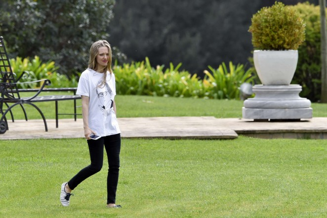 Amanda Seyfried: Photoshoot in Rome -18
