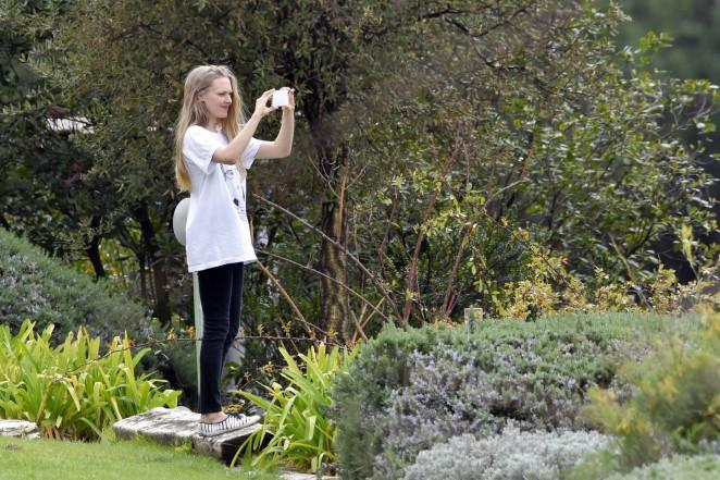 Amanda Seyfried: Photoshoot in Rome -22