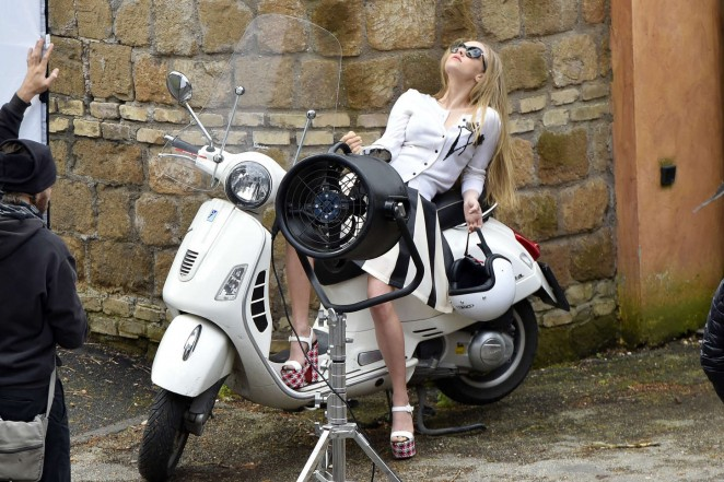 Amanda Seyfried: Photoshoot in Rome -37