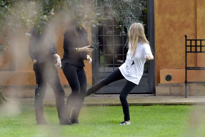 Amanda Seyfried: Photoshoot in Rome -39
