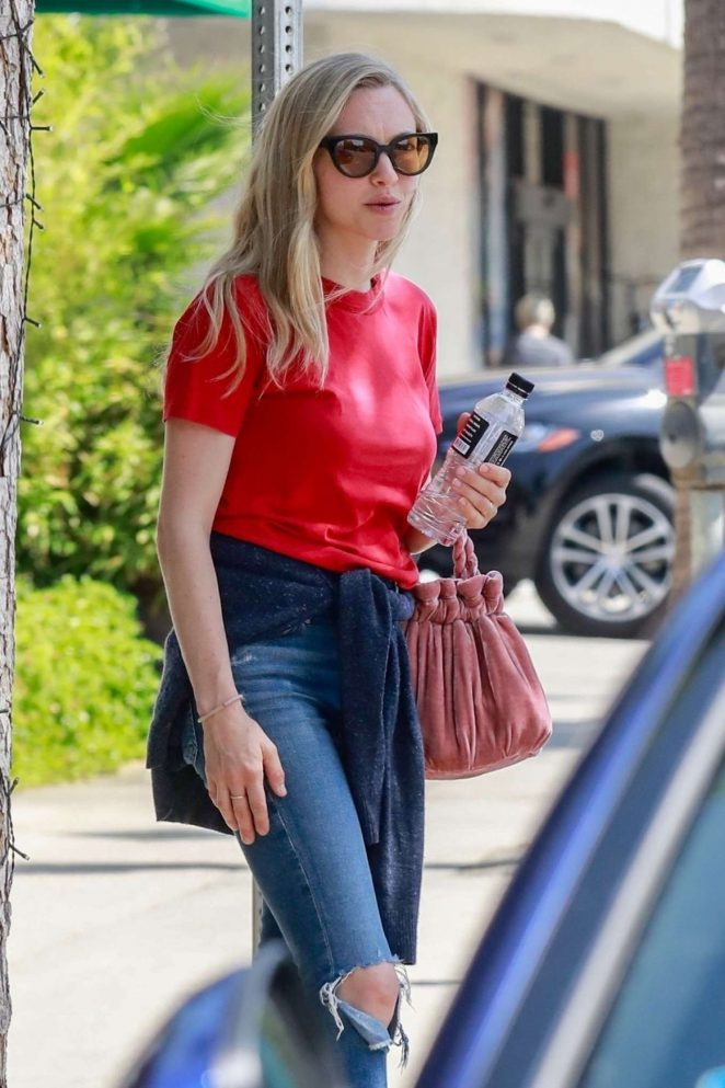 Amanda Seyfried - Seen Out For Lunch In Studio City