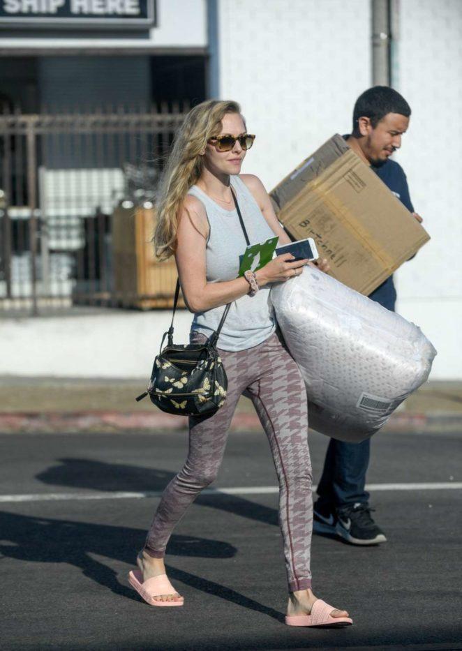 Amanda Seyfried - Seen out in LA