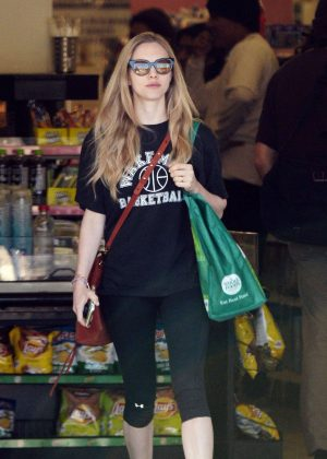 Amanda Seyfried - Shopping at Whole Foods in Los Angeles