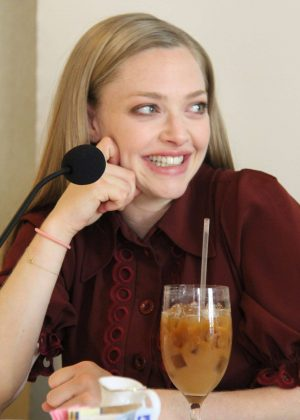 Amanda Seyfried  - 'The Losd World' Press Conference Portraits in Beverly Hills