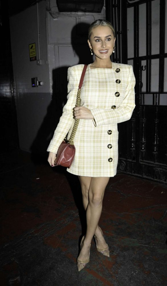 Amber Davies - Arriving at the 9 to 5 afterparty in Manchester