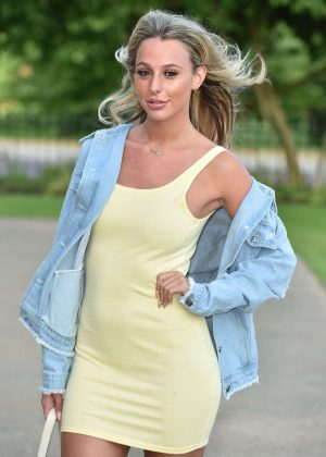 Amber Dowding - LIKEtoKNOWit App Launch Party in London