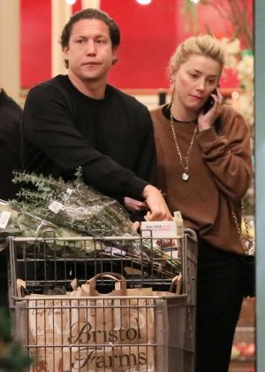 Amber Heard and boyfriend Vito Schnabel - Shopping in Los Angeles