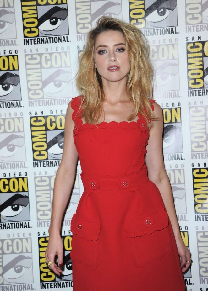 Amber Heard – 'Aquaman' Panel at 2018 Comic-Con in San Diego
