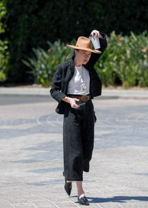 Amber Heard - Arrives at a meeting in Century City