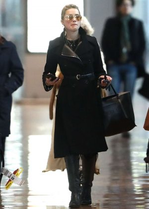 Amber Heard - Arrives at Charles de Gaulle Airport in Paris