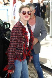 Amber Heard - Arrives at the Martinez Hotel in Cannes