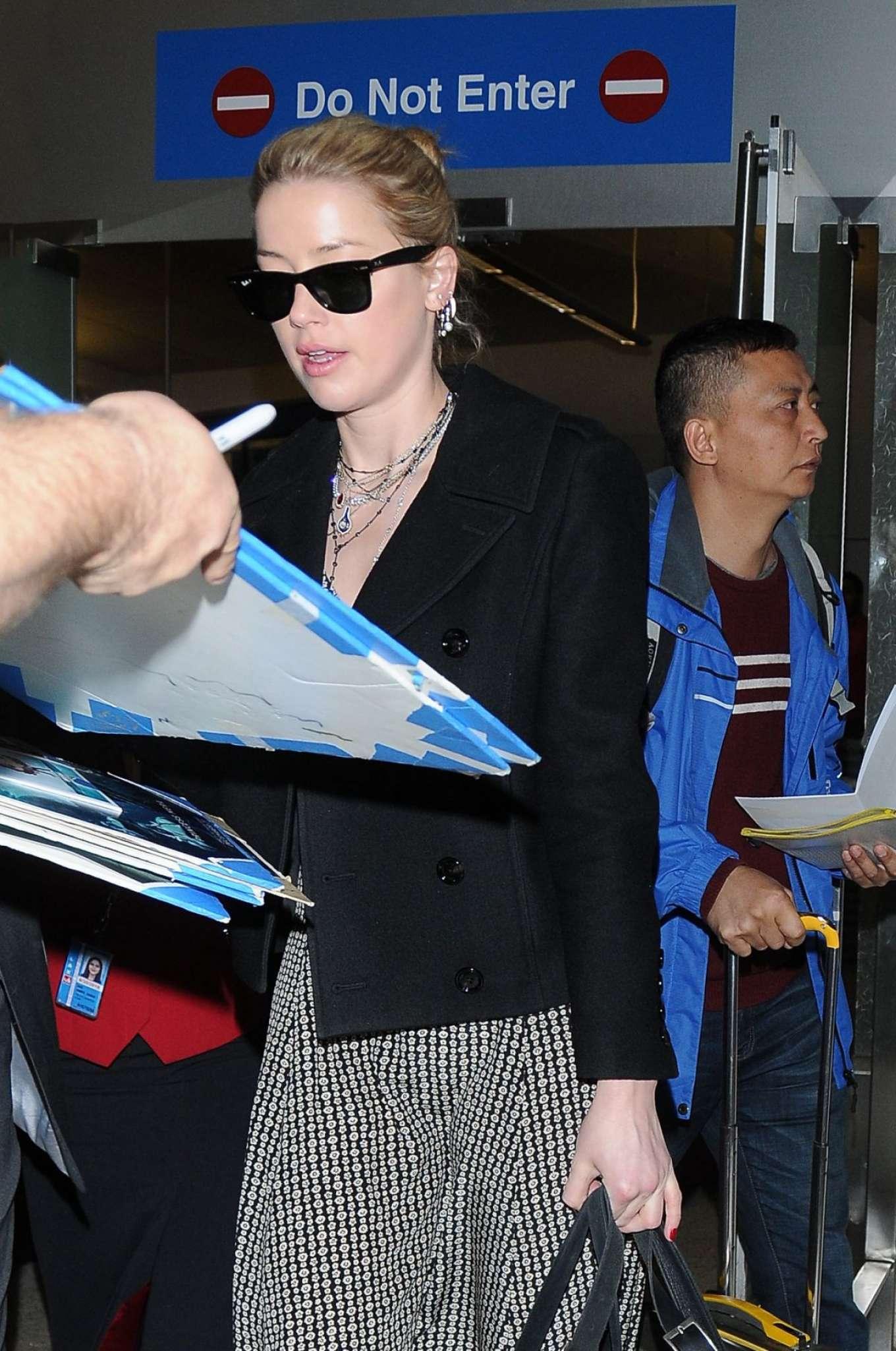 Amber Heard 2018 : Amber Heard at LAX International Airport -06