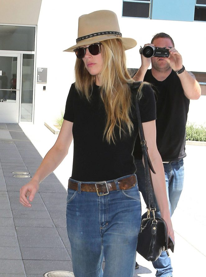 Amber Heard at office in West Hollywood