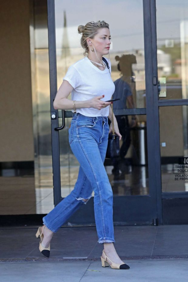 Amber Heard in Jeans and White Shirt -02