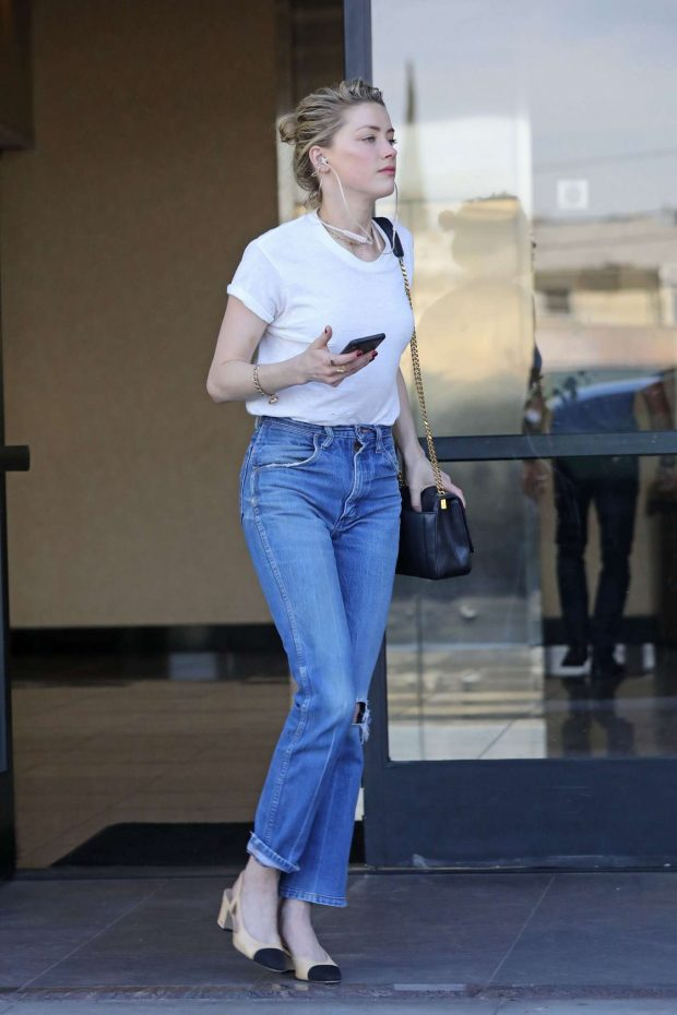 Amber Heard in Jeans and White Shirt -04