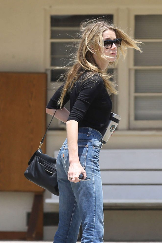 Amber Heard In Jeans Heads To Church 16 Gotceleb