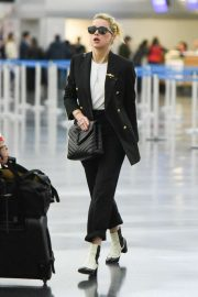 Amber Heard - Landing at JFK Airport in New York