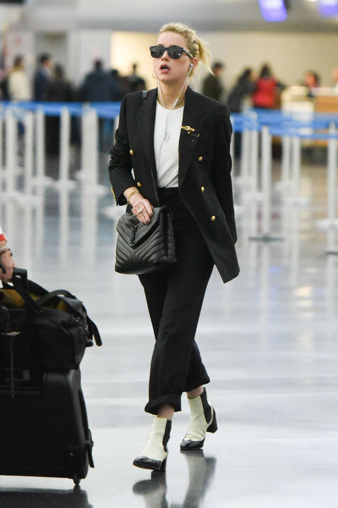 Amber Heard - Landing at JFK Airport in New York
