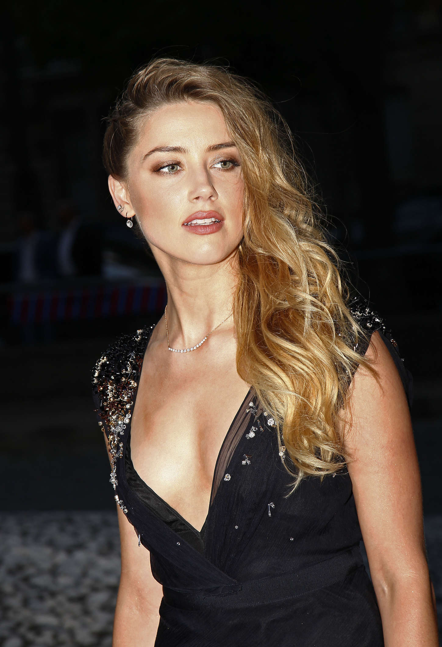 Amber Heard: Miu Miu F...