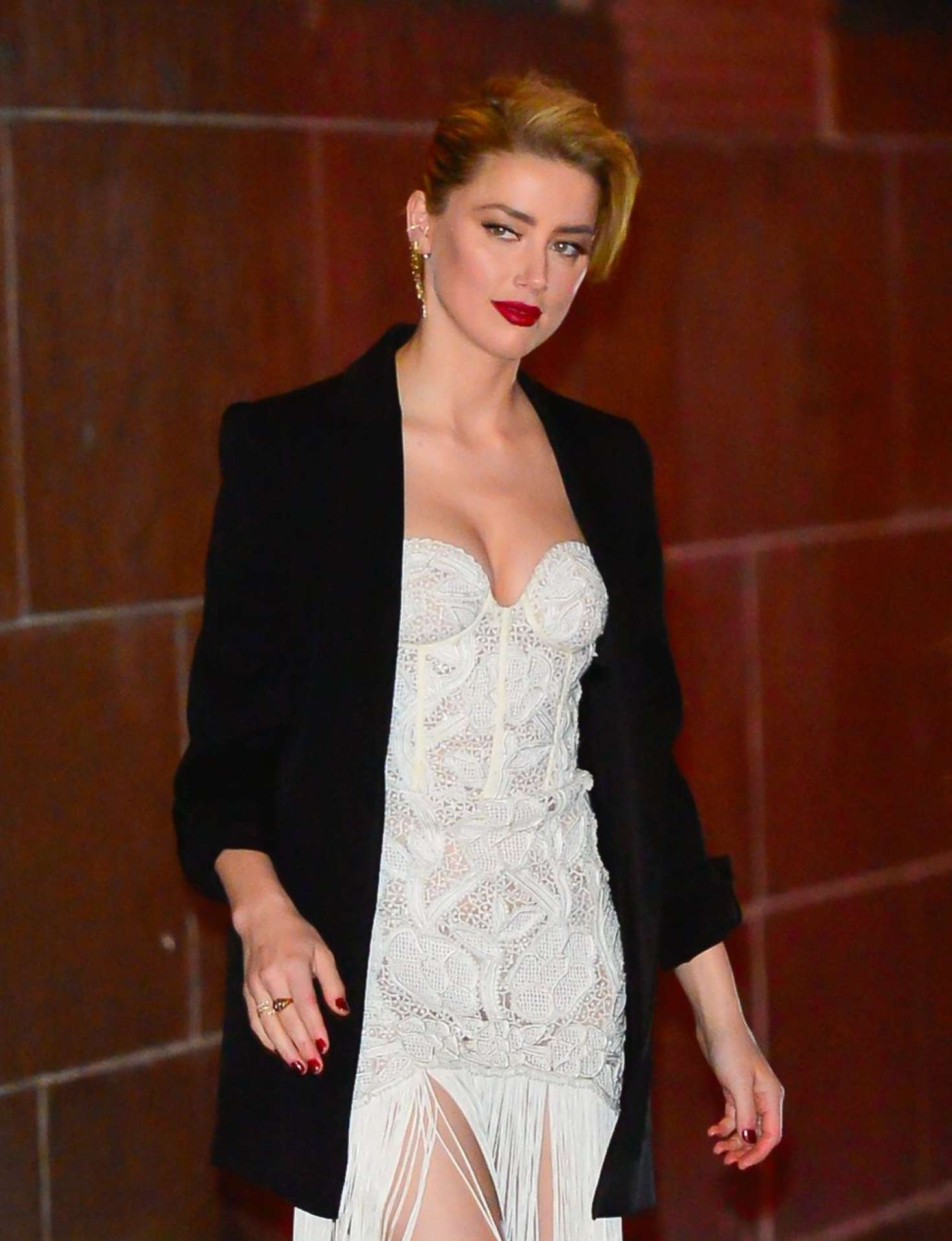 Amber Heard 2018 : Amber Heard: Out and about in NYC -04